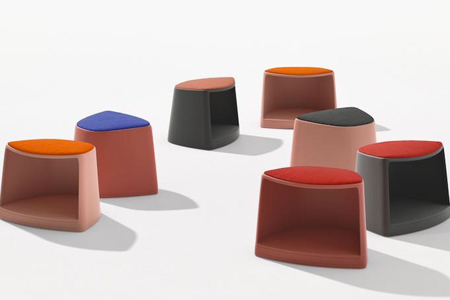 Designed by Barcelona studio Lievore Altherr, Cila Go is suitable for educational environments or anywhere where meeting, learning and training is required.