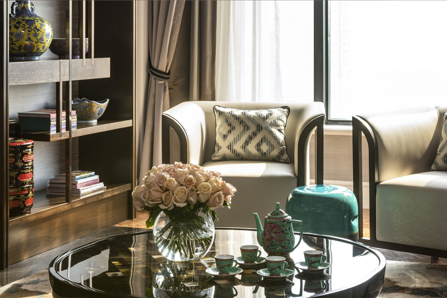 Four Seasons Hotel Singapore completed its room renewal program with the revelation of its crowning jewels, The Suite Collection.