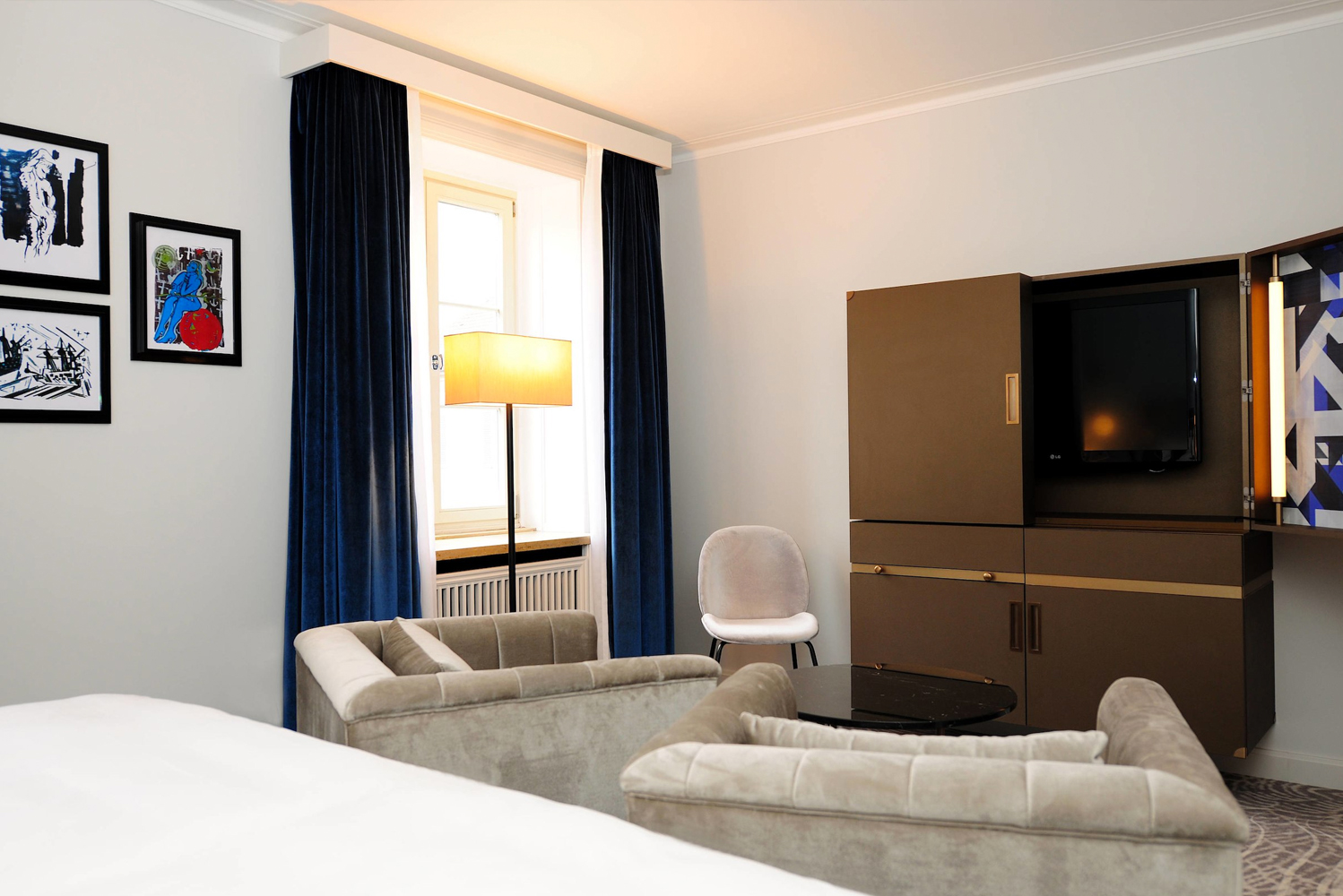 Hotel Elephant Weimar has 99 guestrooms, all redesigned to capture the property's artistic and architectural heritage.