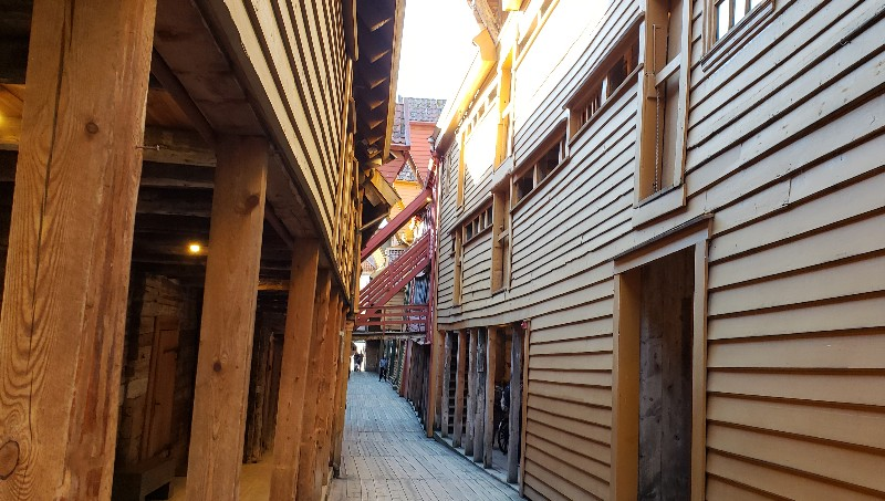 Another narrow Bryggen passageway