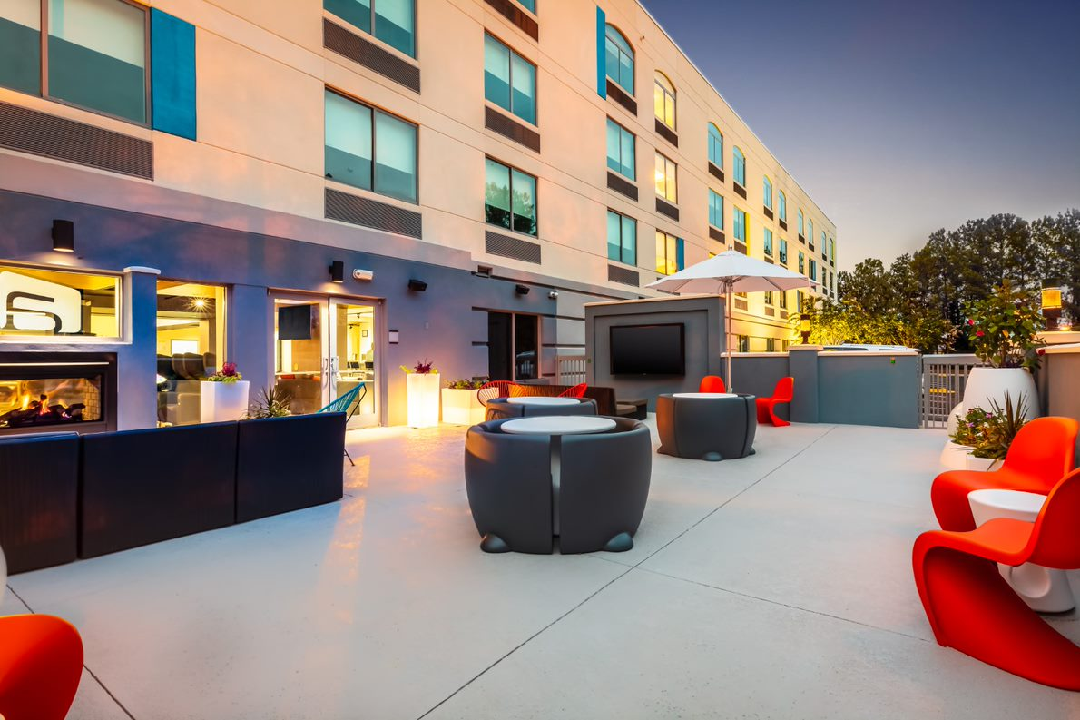 //3877's exterior work on the Aloft Columbia, S.C., brought the existing building in line with the new Aloft brand package.