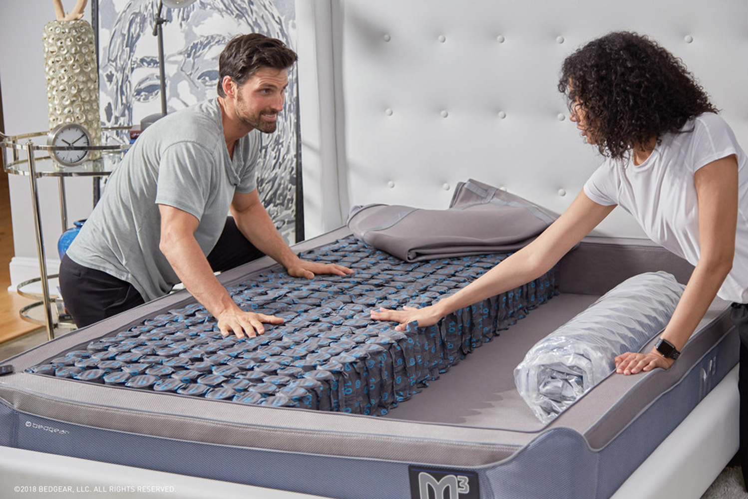 The mattress features Air-X ventilated panels around the entire circumference of the mattress, to keep air flowing, reduce heat build-up and allow the body to more easily regulate its temperature.