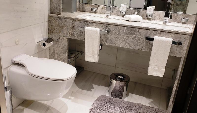 Bathroom of #843
