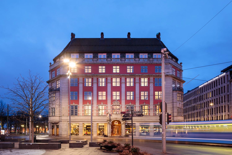 Amerikalinjen opened in Oslo, Norway.