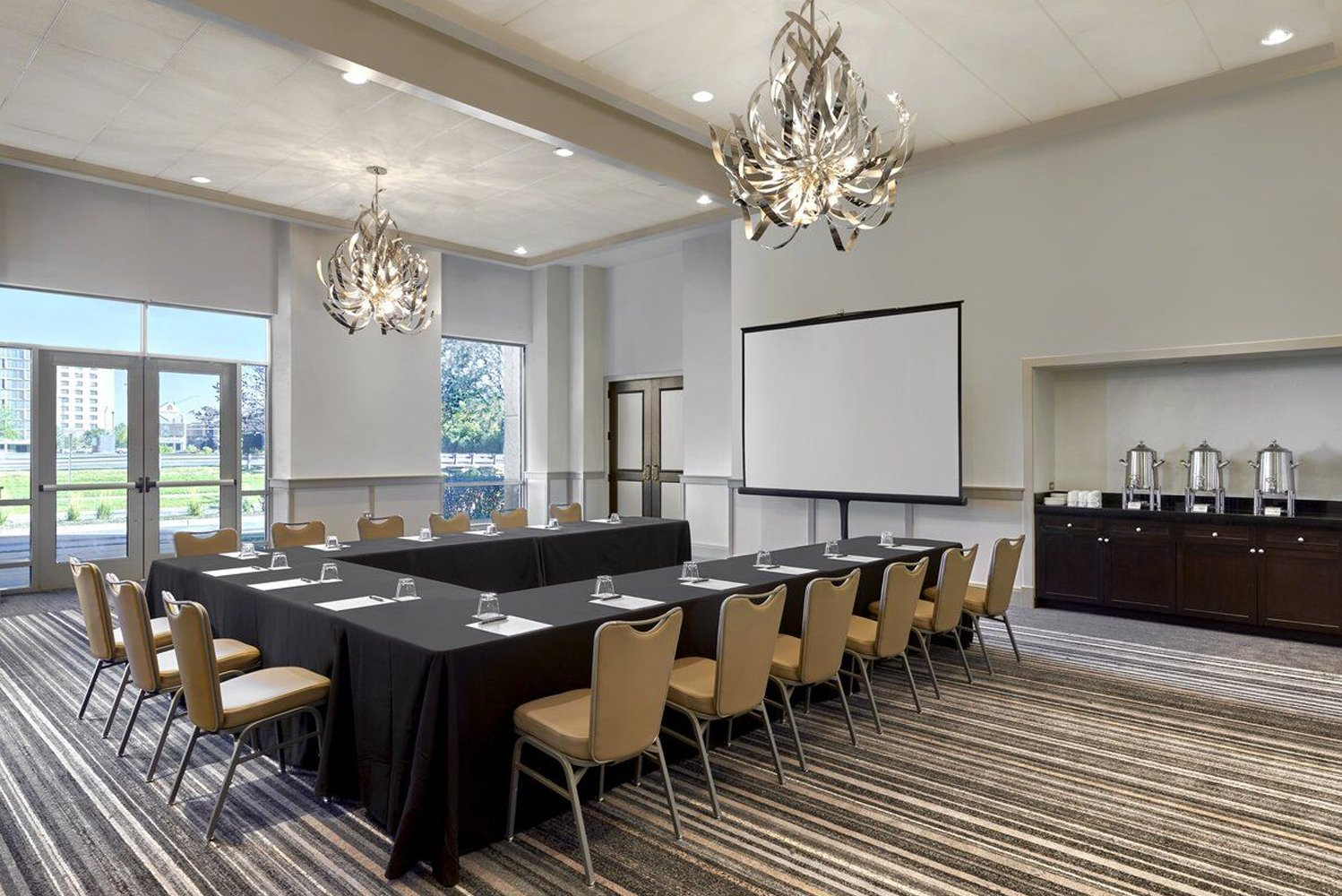 The property has four grand ballrooms that are split on both sides of the property, 34 meeting rooms, and nine private boardrooms.