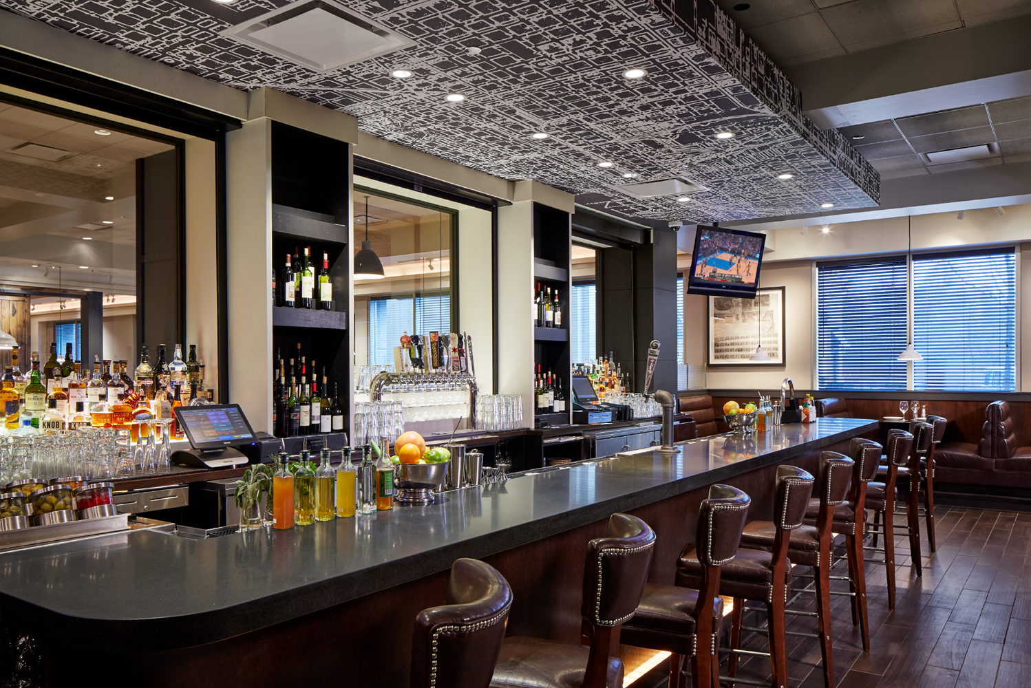 Inspired by Chicago's first airport, Ashburn Flying Field, The Ashburn restaurant celebrates the heritage and tradition of aviation.
