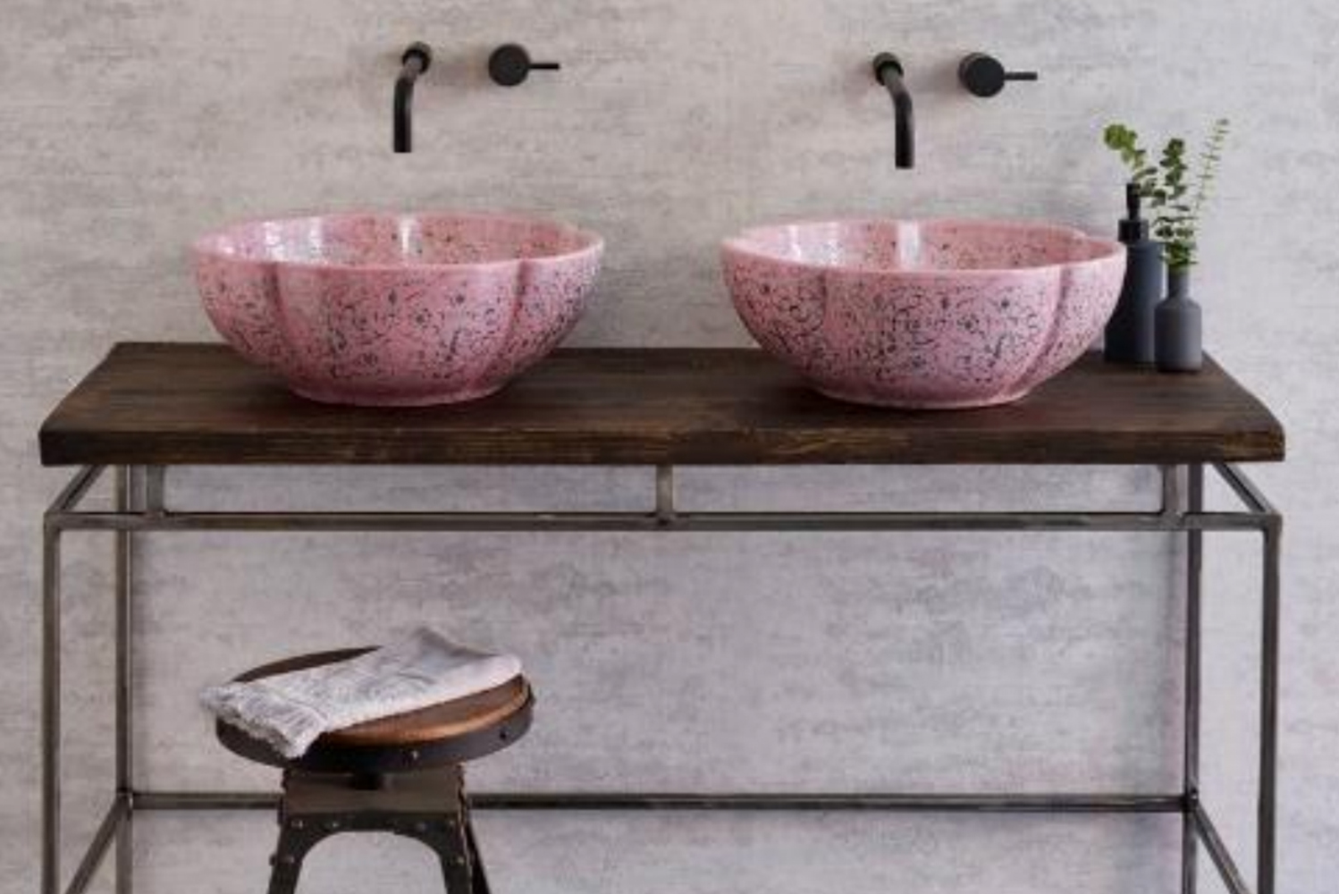London Basin Company launched hand-decorated porcelain basins.