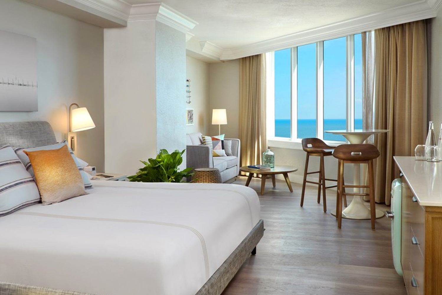 Pelican Grand Beach Resort completed its $7 million guestroom renovation.
