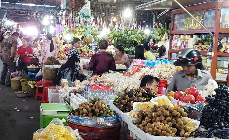 Sihanoukville's bustling Phsar Leu Market