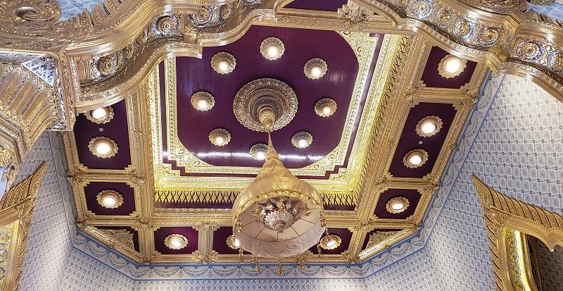 Ceiling of Wat Traimit