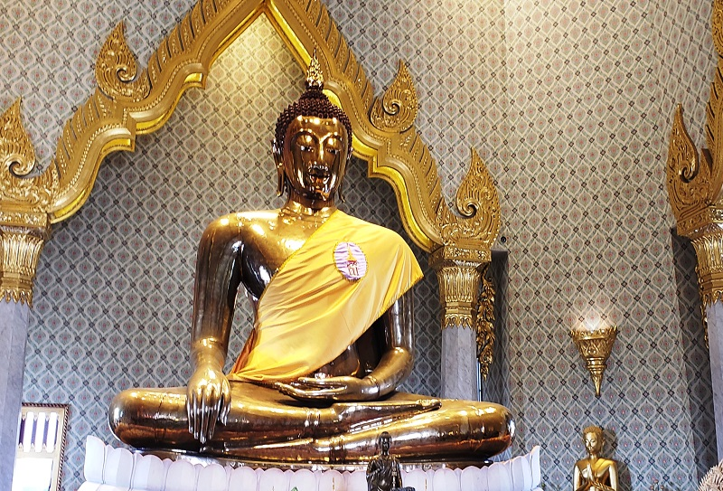 Golden Buddha weighing five and a half tons