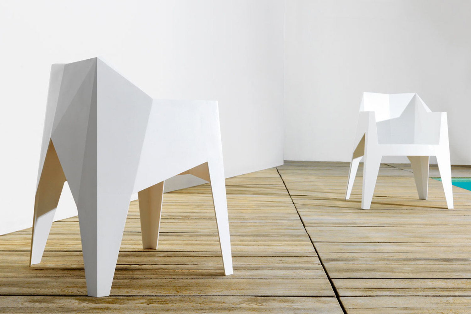 The Voxel armchair – which is also faceted – is stackable.