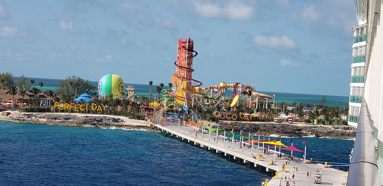 The 135-foot Daredevil's Tower waterslide. // Photo copyright by Susan J. Young