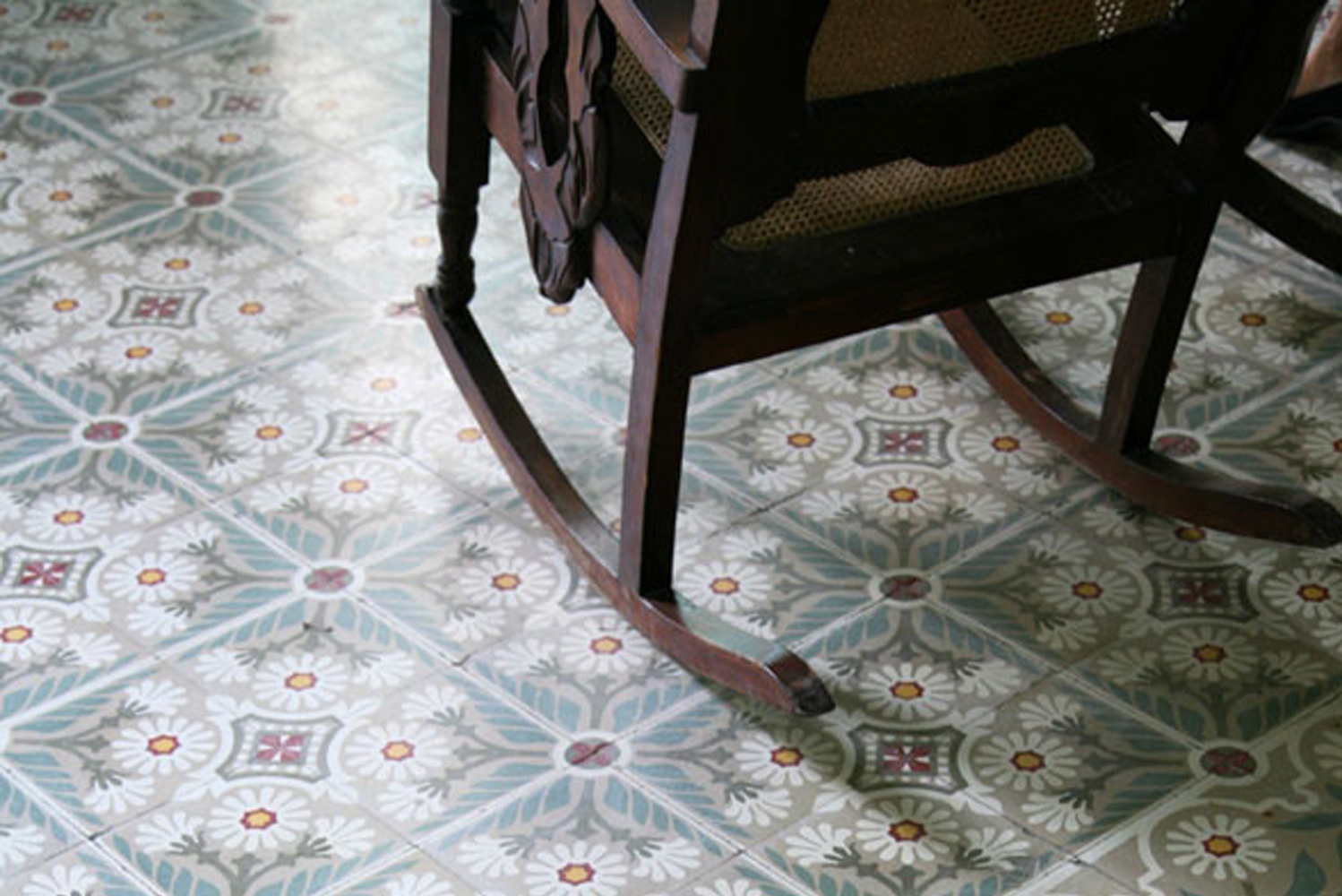 Villa Lagoon Tile launched the Cuban collection, a set of authentic Cuban cement tile patterns and color combinations.