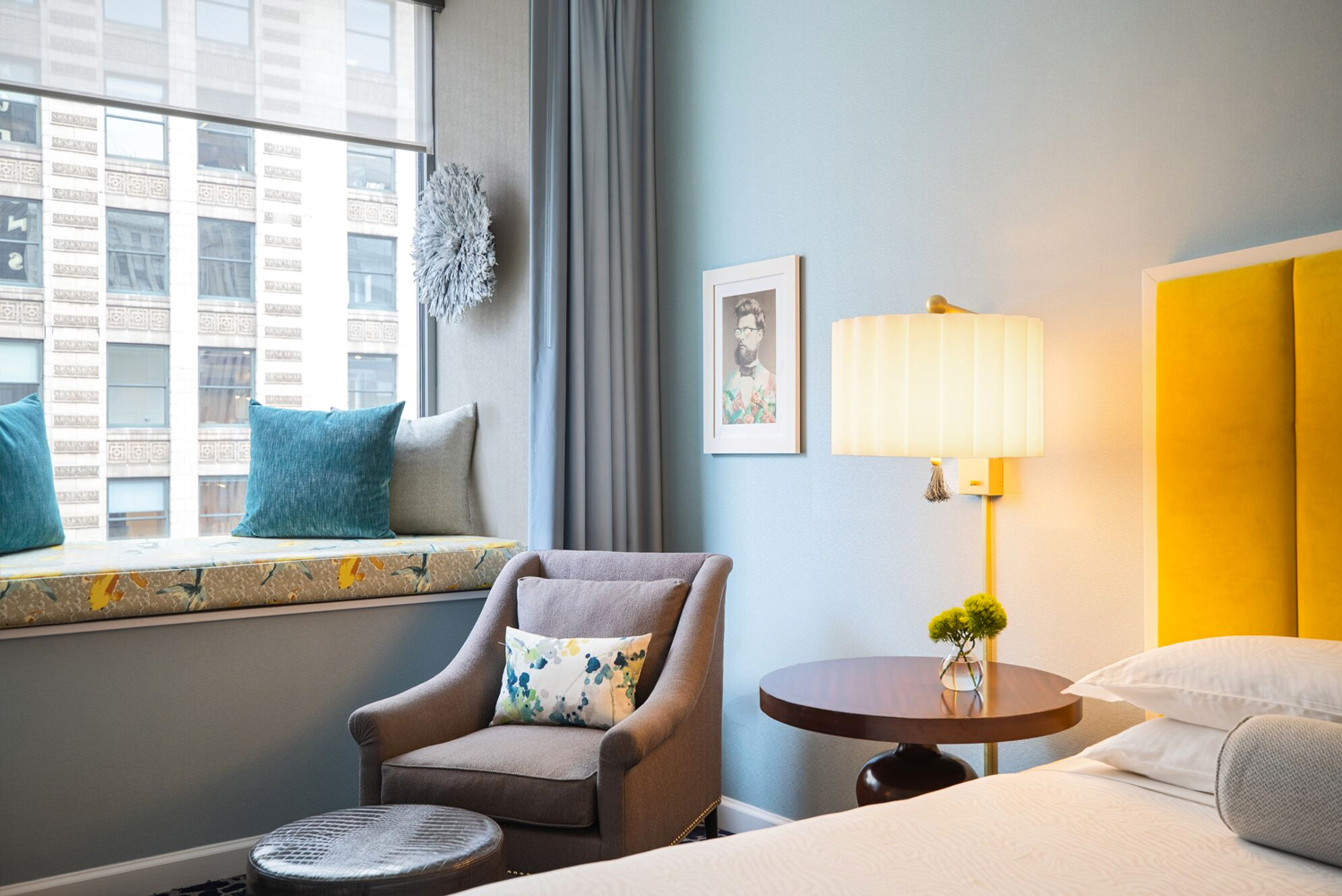 The Gettys Group was involved in the renovation inspired by Lake Michigan and the development along the Chicago Riverwalk, visible from the hotel's window seats.