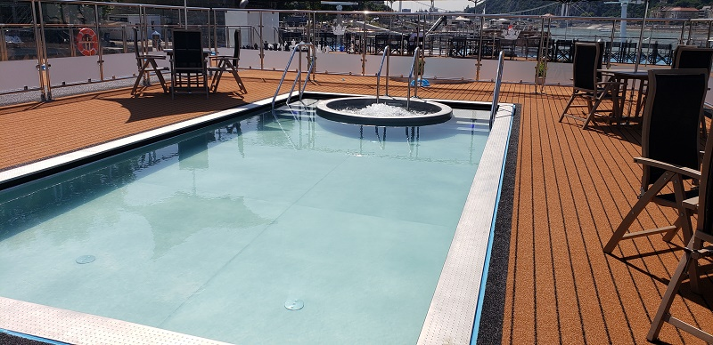 AmaMagna's Sun Deck Pool and Whirlpool