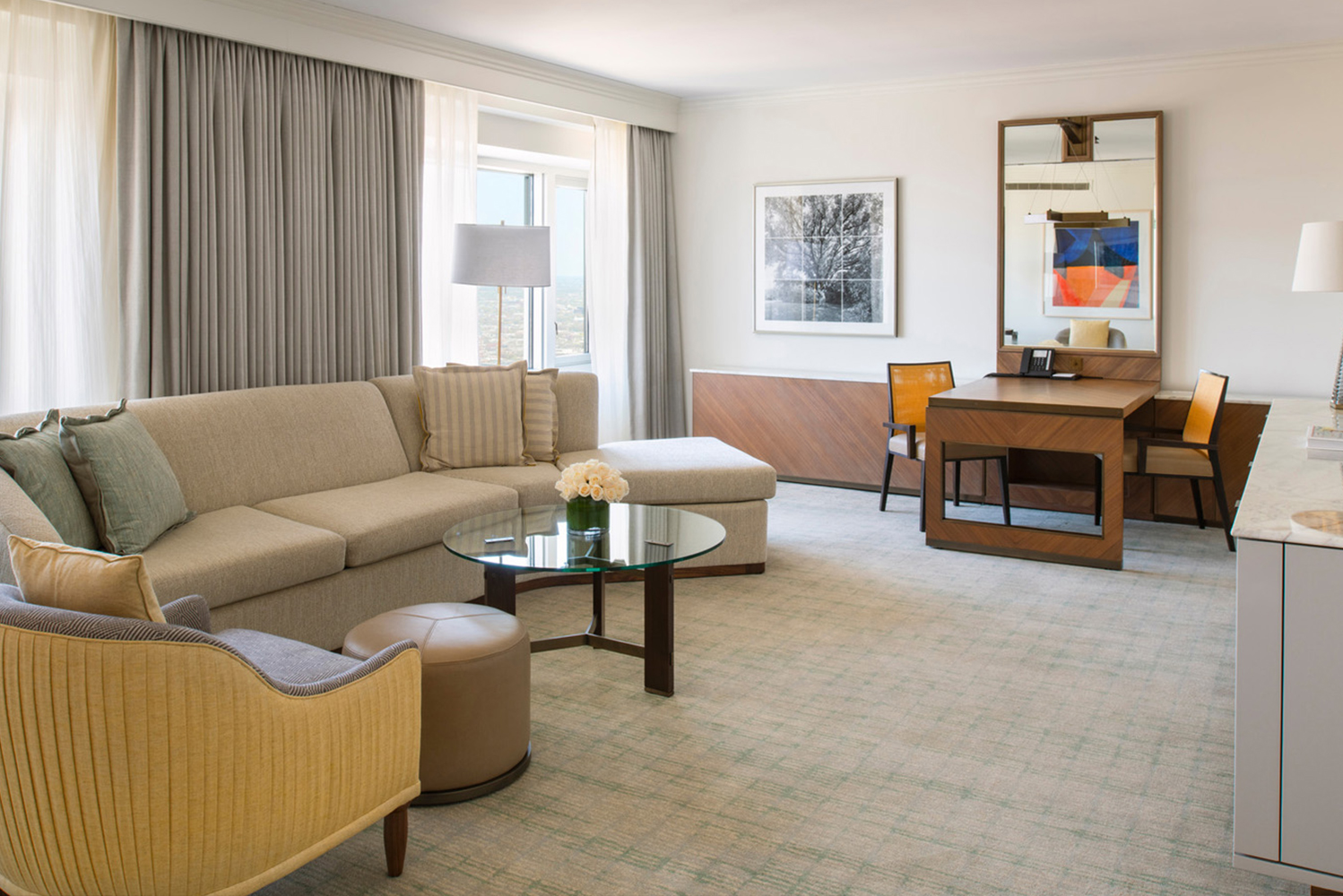 Four Seasons Hotel Chicago, the property with the highest rooms and suites in Chicago, completed the renovation of its one-bedroom suites.