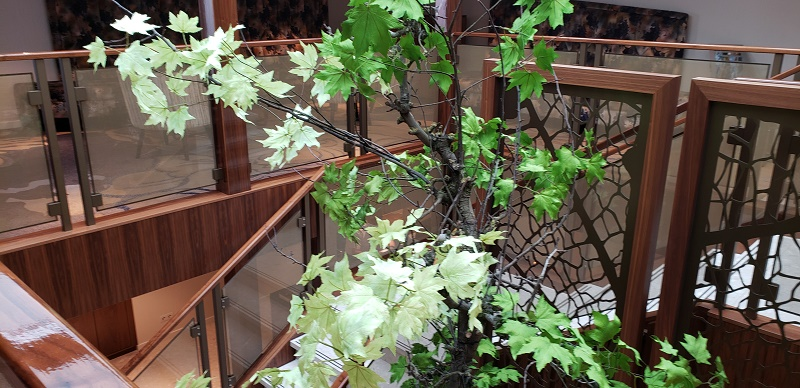 AmaMagna stairwell with foliage