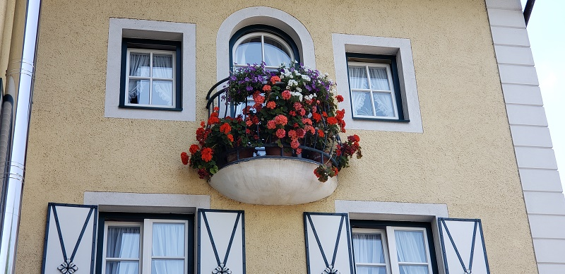 Floral box on a St. Wolfgang building.