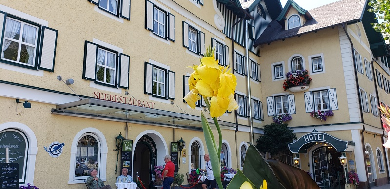 Hotel with terrace restaurant in St. Wolfgang.