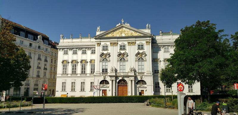 Lovely architecture in Vienna.