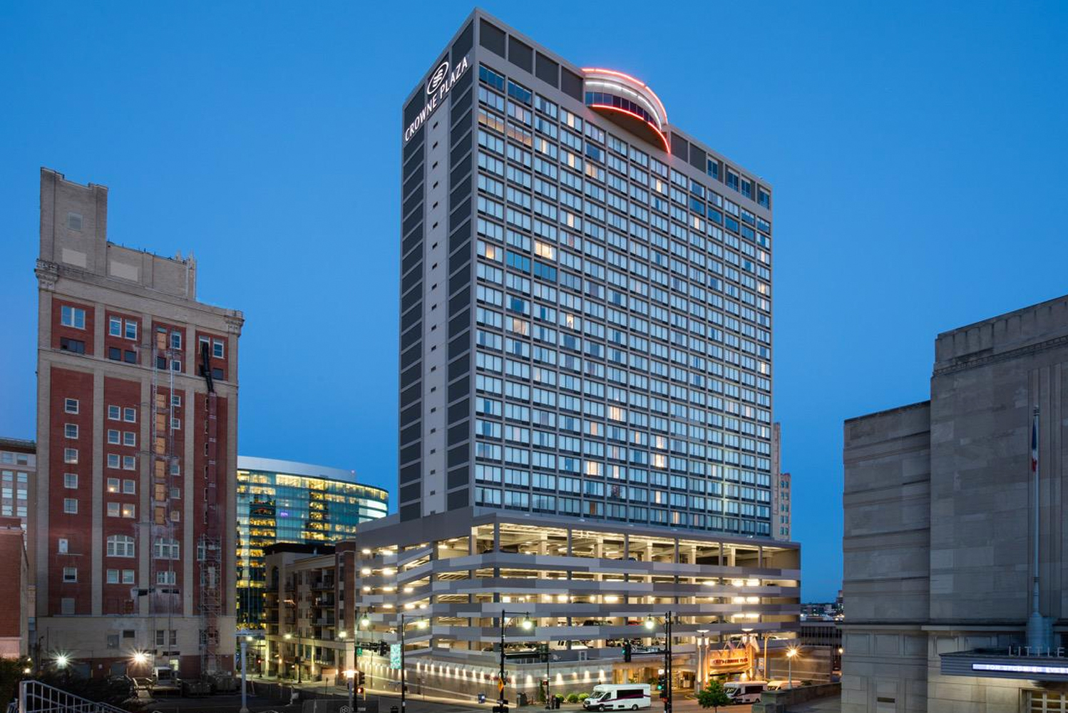 The Hotel Group (THG) completed the renovation Crowne Plaza Kansas City Downtown, with the newly redesigned public spaces and guestrooms now featuring the WorkLife model.
