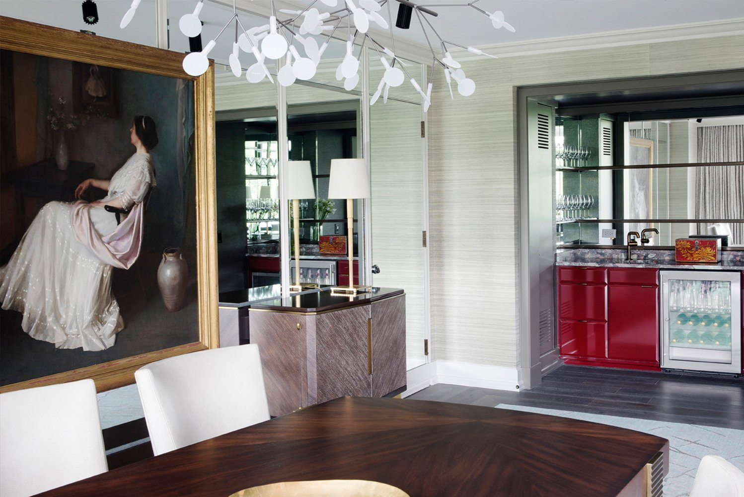 Ranging from 1,200 square feet (110 square meters) to 1,700 square feet (160 square meters), the suites' design was led by design group BAMO with the team at Four Seasons Hotel Boston.