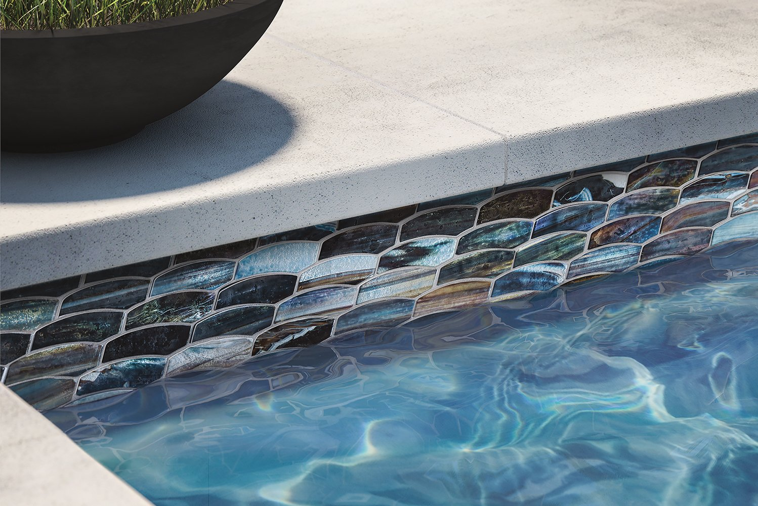 Lunada Bay Tile launched the new JAW (Just Add Water) collection of glass tile borders, ideal for pools, showers, spas, water features and other similar areas.