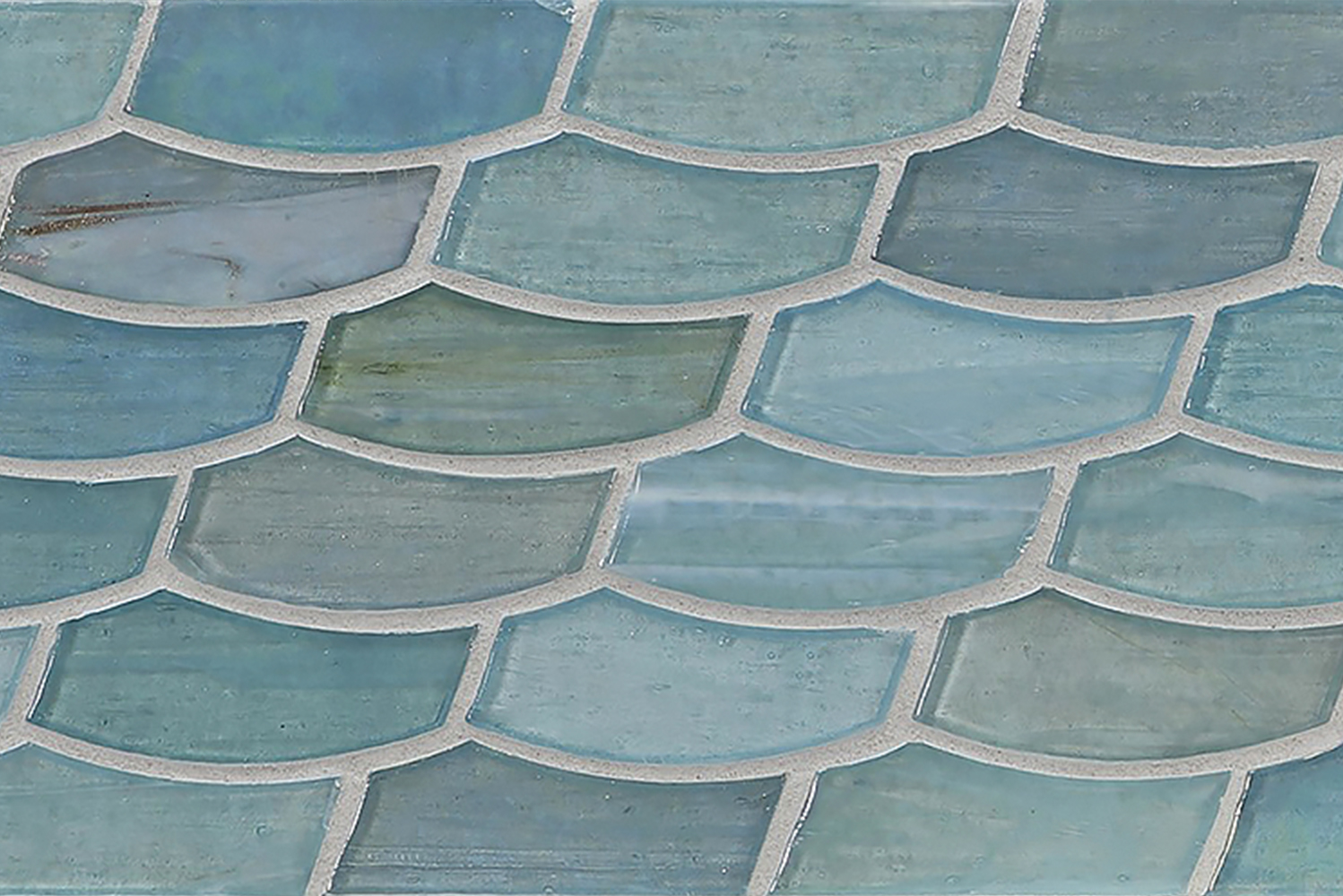 The new line takes 10 colors from Lunada Bay Tile's Agate and Luce collections, and then expanding their use to border application.