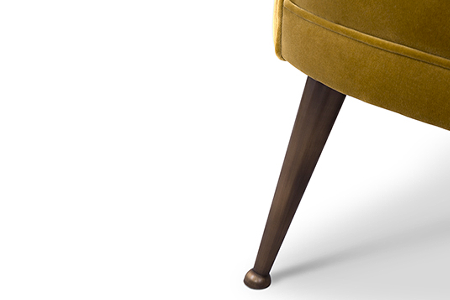 Inspired by the Mayan civilization's maize god, Maya has legs in matte aged brass.