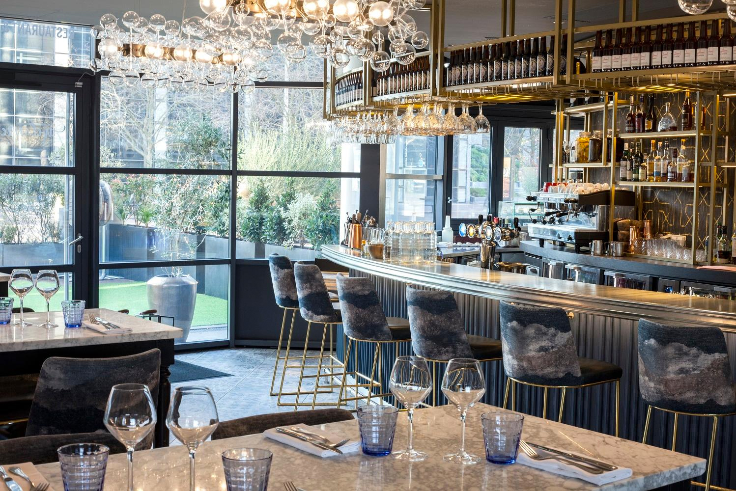 Virserius Studio completed the second phase of the redesign of the Renaissance Paris La Défense Hotel.