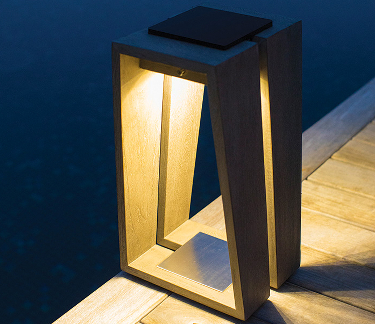 Introducing the Skaal lantern from Les Jardins Solar Lighting.