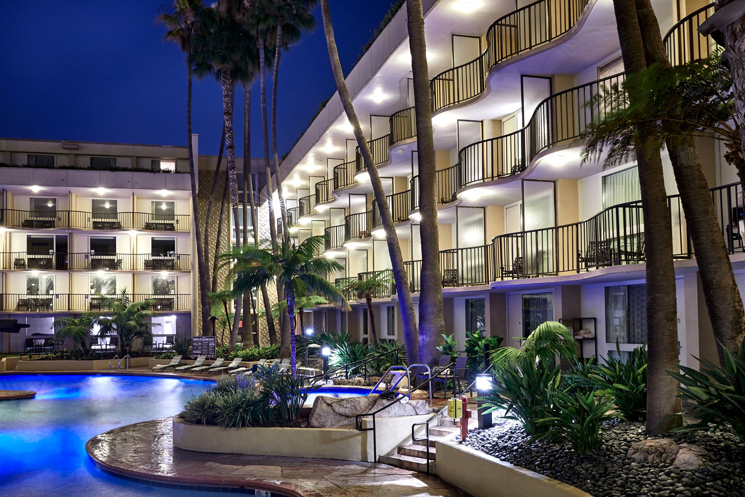 The Los Angeles Airport Marriott (LAX Marriott) completed the final phase of its $50 million transformation.