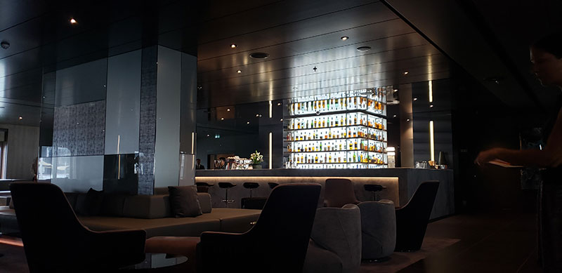 Lobby bar // Photo by Susan J. Young