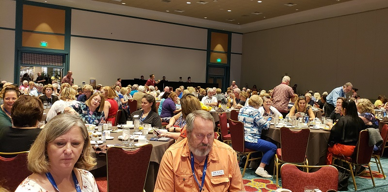 Travel advisors listen to General Session speakers at 2019 CoNexion.