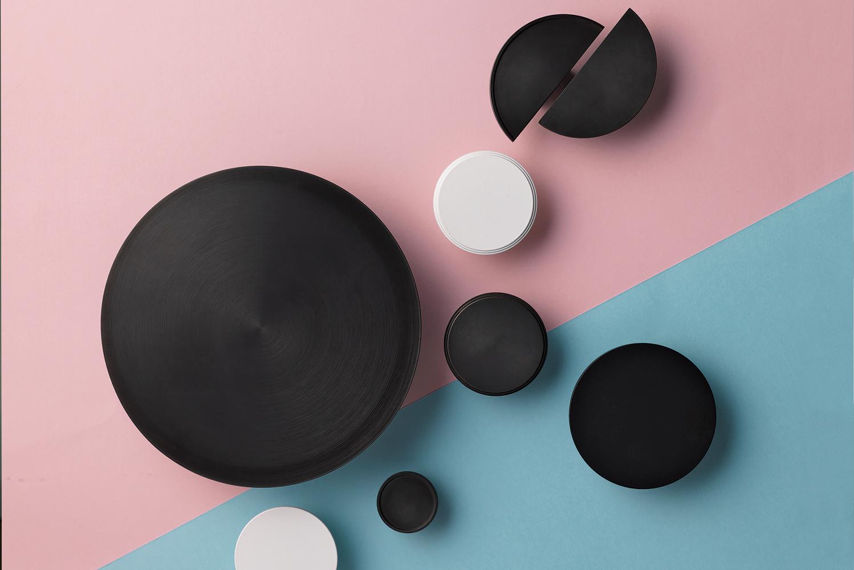 Designer Doorware launched Niki, a line of cabinet and door knobs.