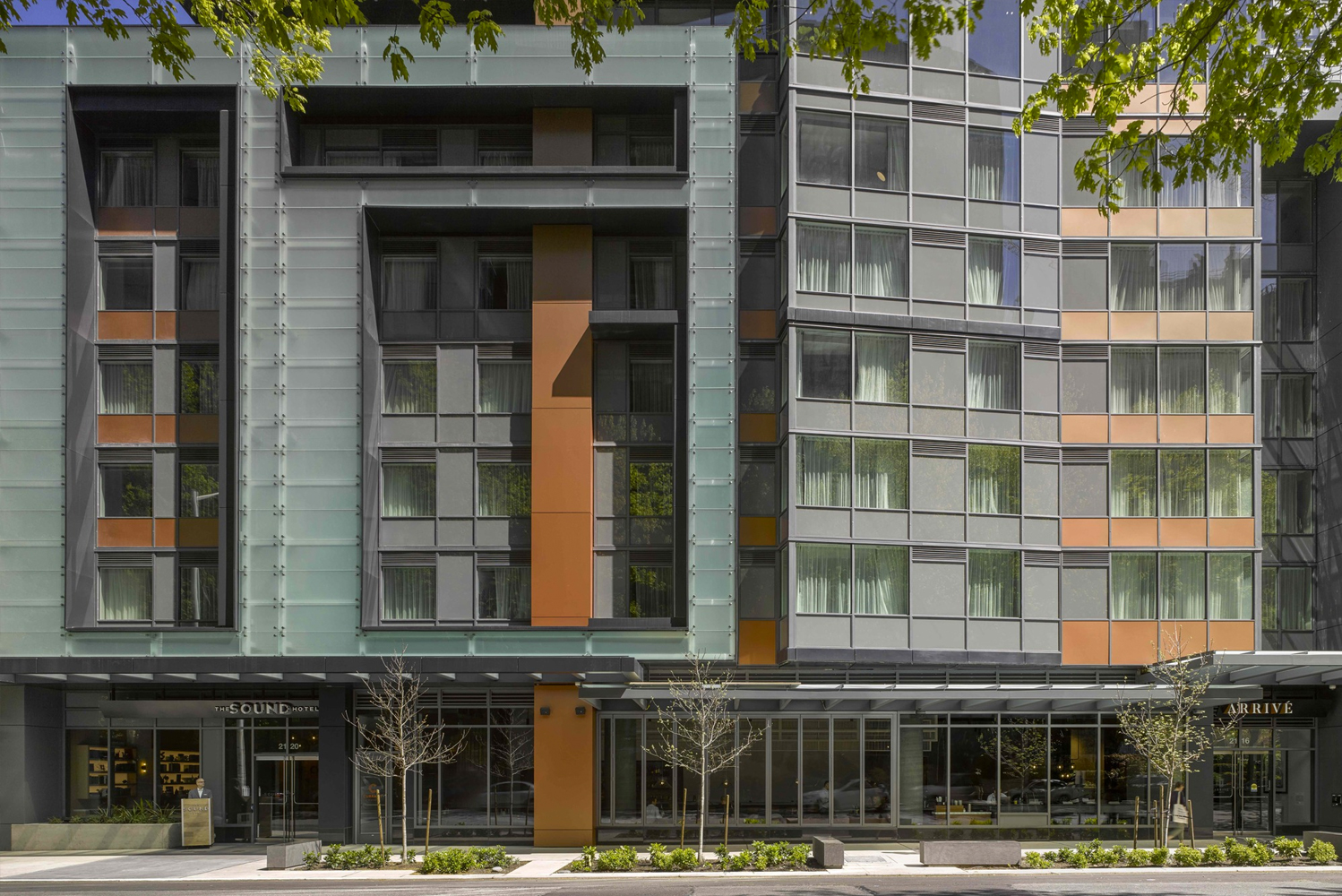 Hirsch Bedner Associates (HBA) completed the design of The Sound Hotel Seattle Belltown, Tapestry Collection by Hilton, a 142-room boutique hotel occupying the first 10 floors of the 42-story Arrivé tower.