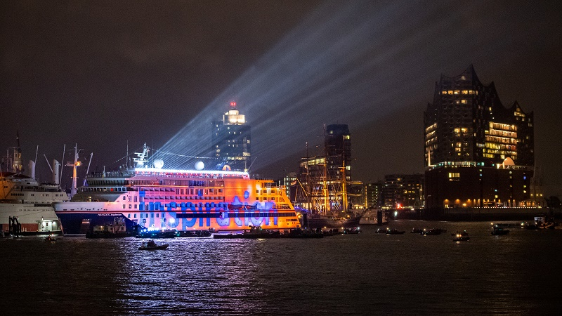 Spectacular 3-D Projection Show Lights up Hanseatic Inspiration