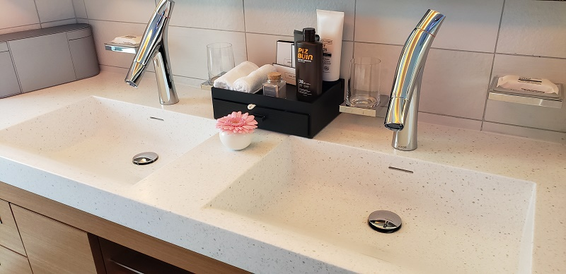 Master bathroom's vanity with dual sinks