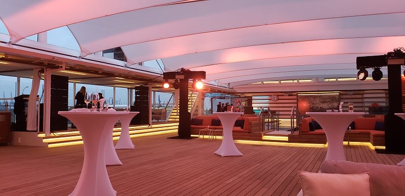 In the evening, the pool deck can be transformed into an event or activity space.
