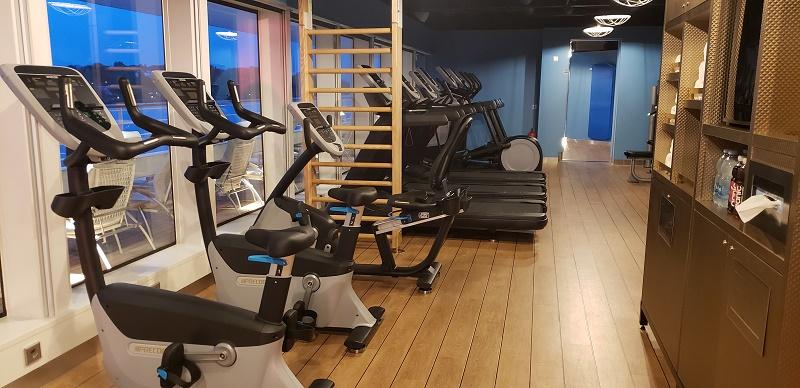 Sports Club;s fitness machines