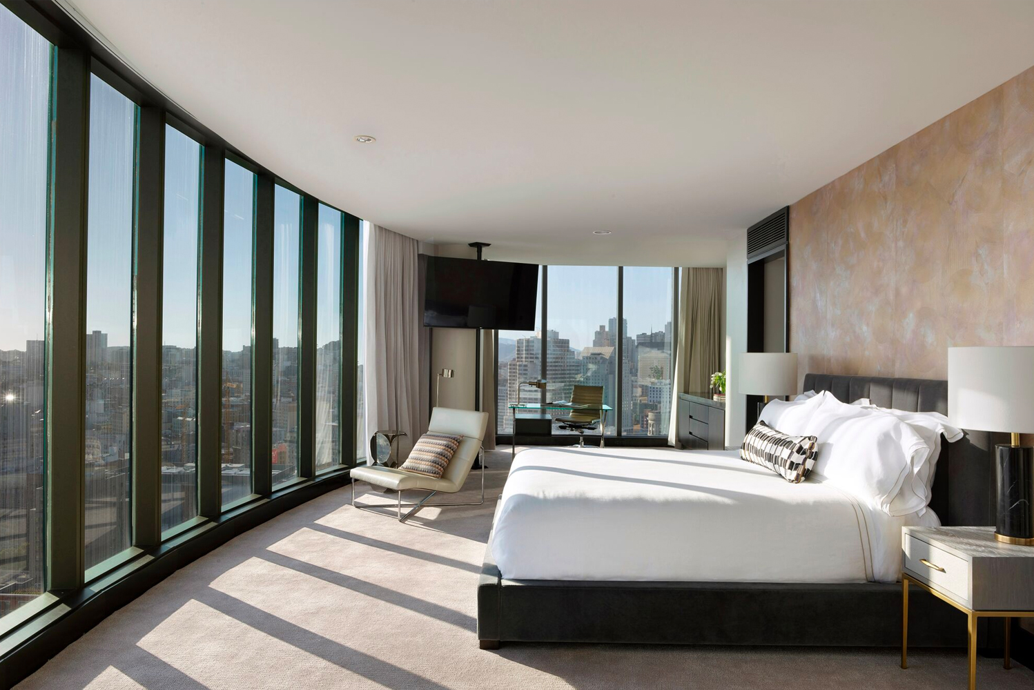 The InterContinental San Francisco Hotel revealed an entirely redesigned Presidential Suite, a 2,000 square-foot penthouse luxury suite located on the property's 31st and 32nd floors.