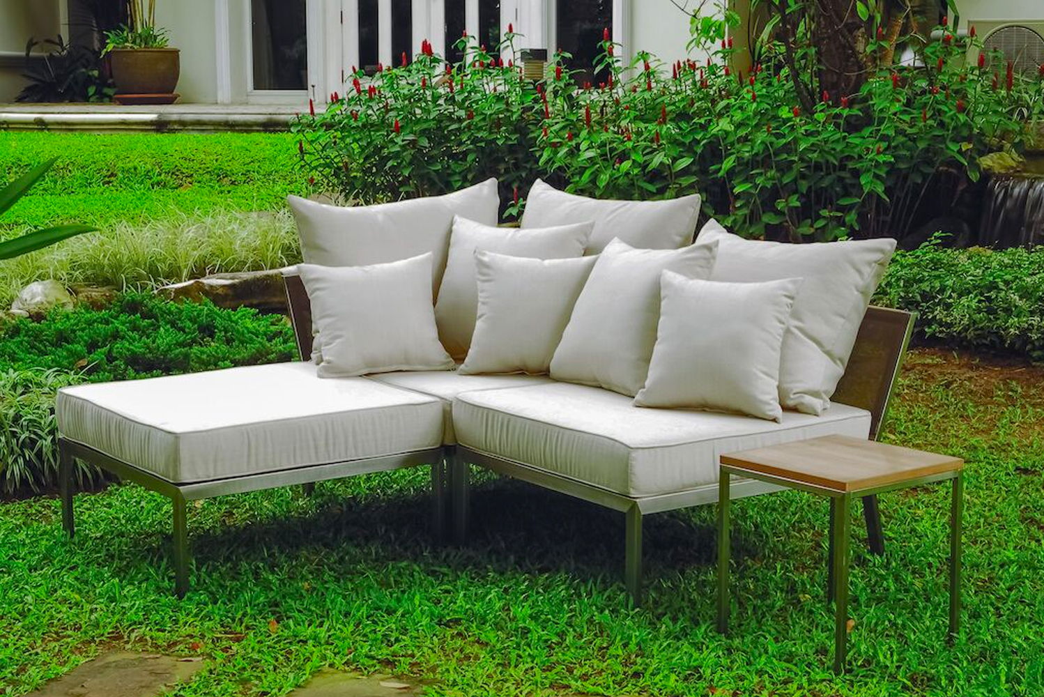 MGBlair has five outdoor hospitality collections: Haven, Atoll, Agave, Core and Slim.