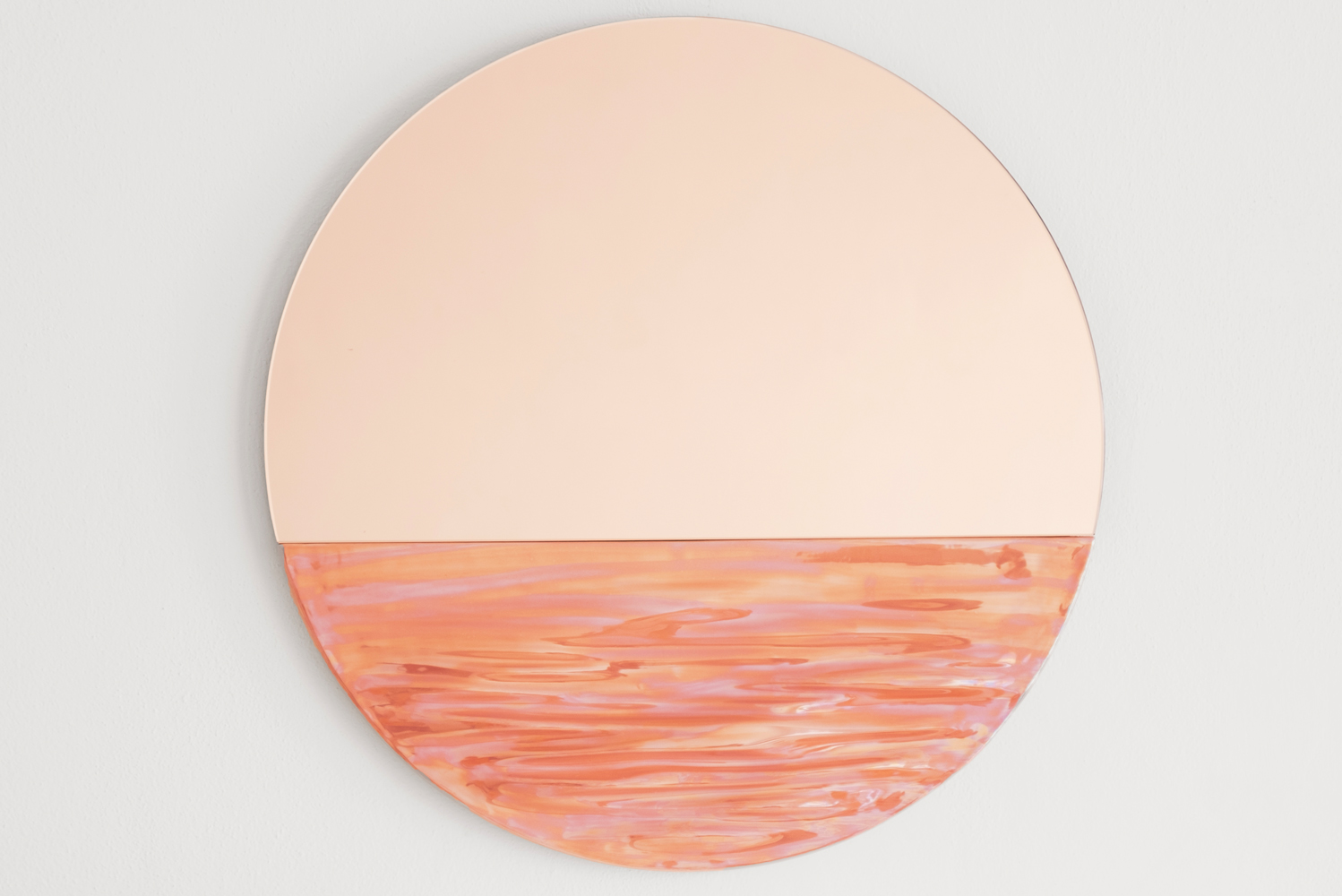 Ocrùm introduced three colors - iridescent, emerald green and coral pink - to its line of Orizon mirrors.