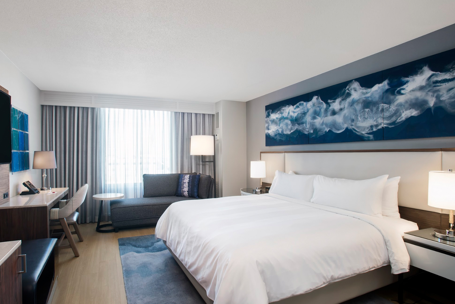 The enhancements include the 727 guestrooms, over 40,000 square feet of meeting spaces, a refreshed Great Room, and the addition of two new restaurant concepts.