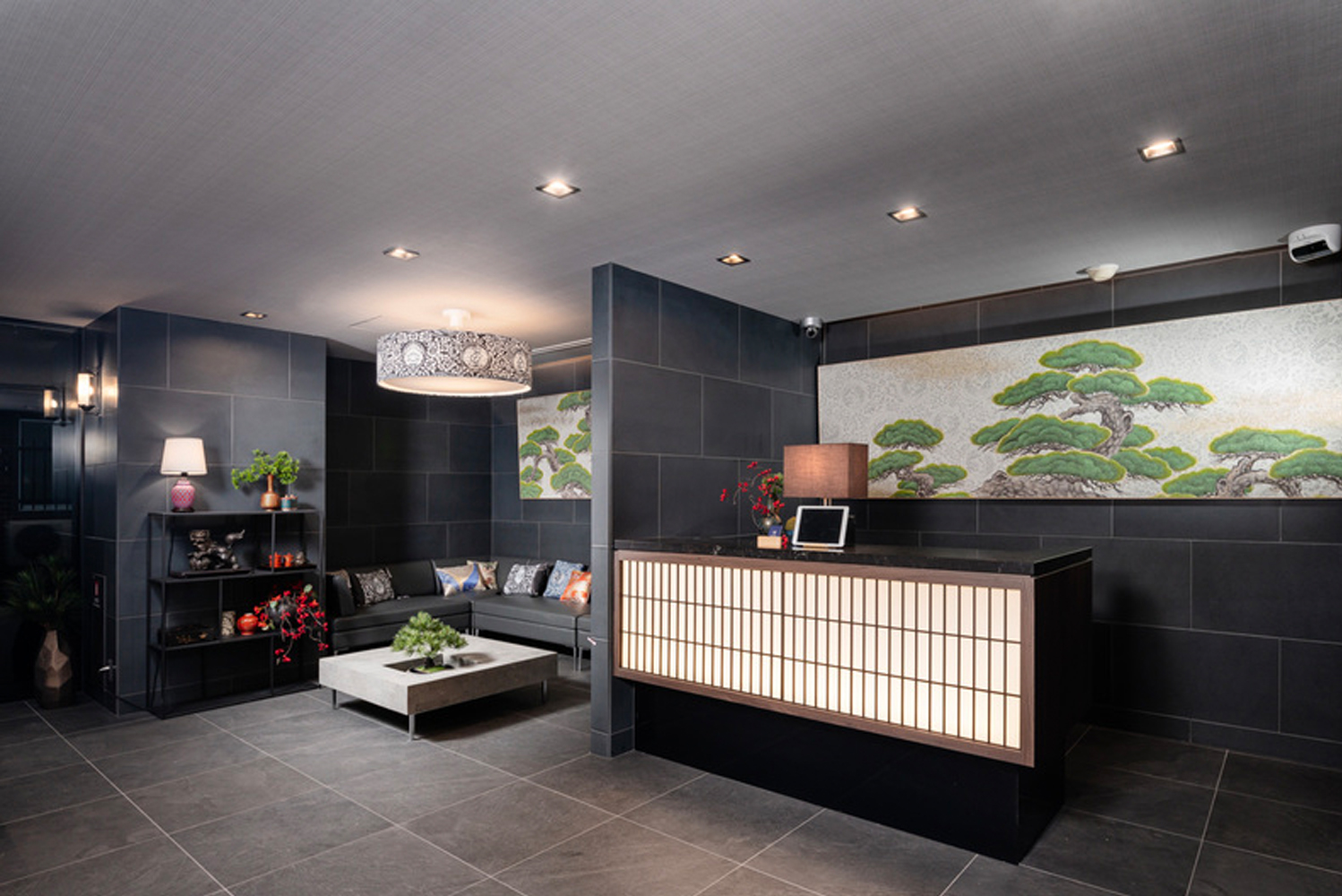 Since February 2018, Apartment Hotel Mimaru has opened 12 hotels with a total of 548 guestrooms in Tokyo and the ancient capital of Kyoto.