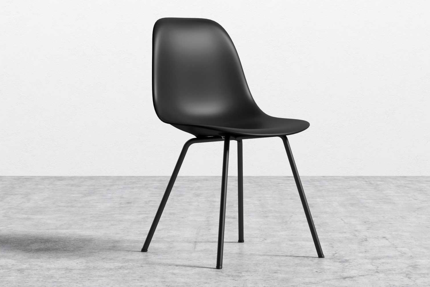 This modern adaptation contours to the body with its organically shaped polypropylene shell.