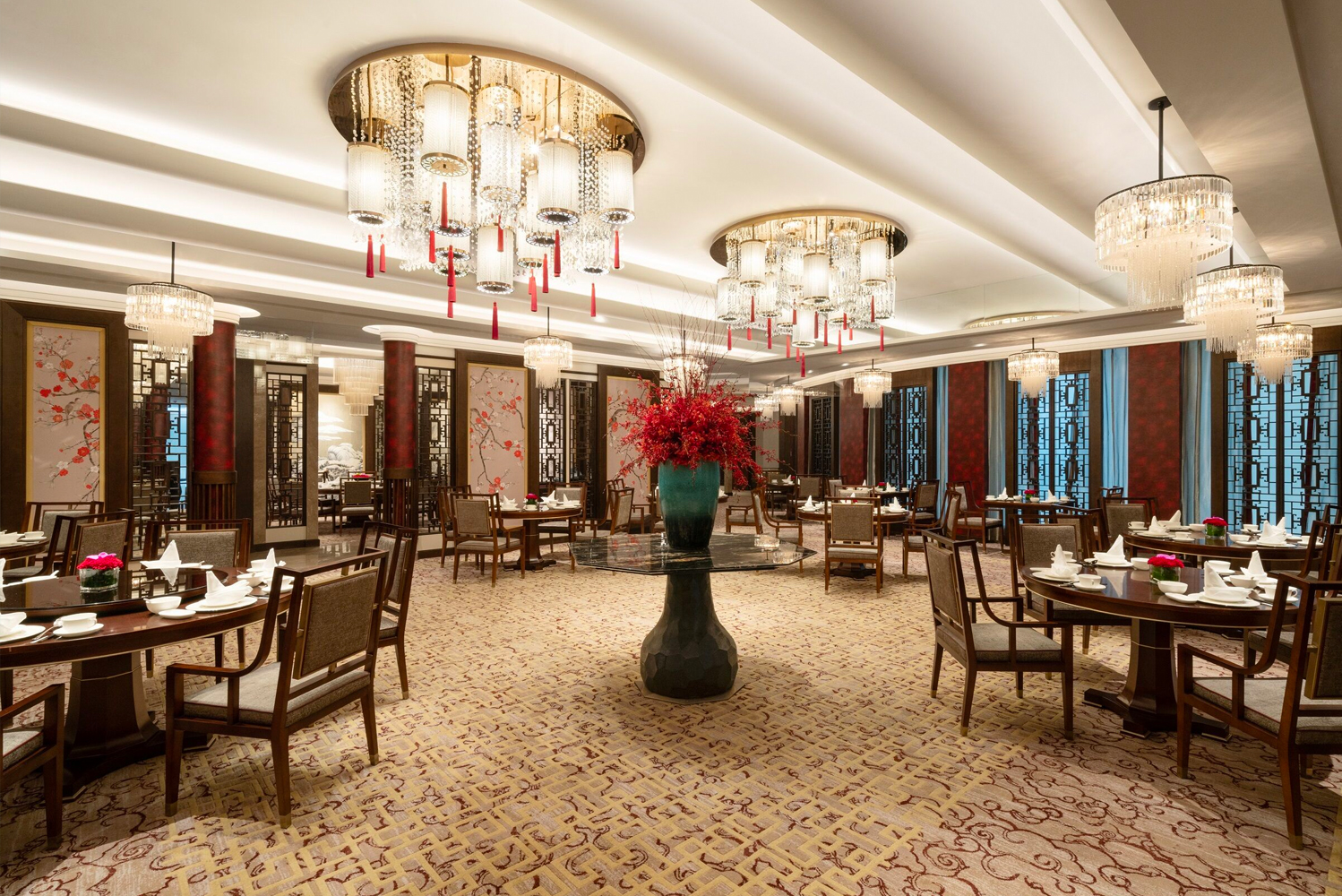 This is the newest international luxury-branded hotel in the central business district of Suzhou Industrial Park (SIP).