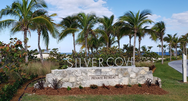 Entrance to Silver Cove