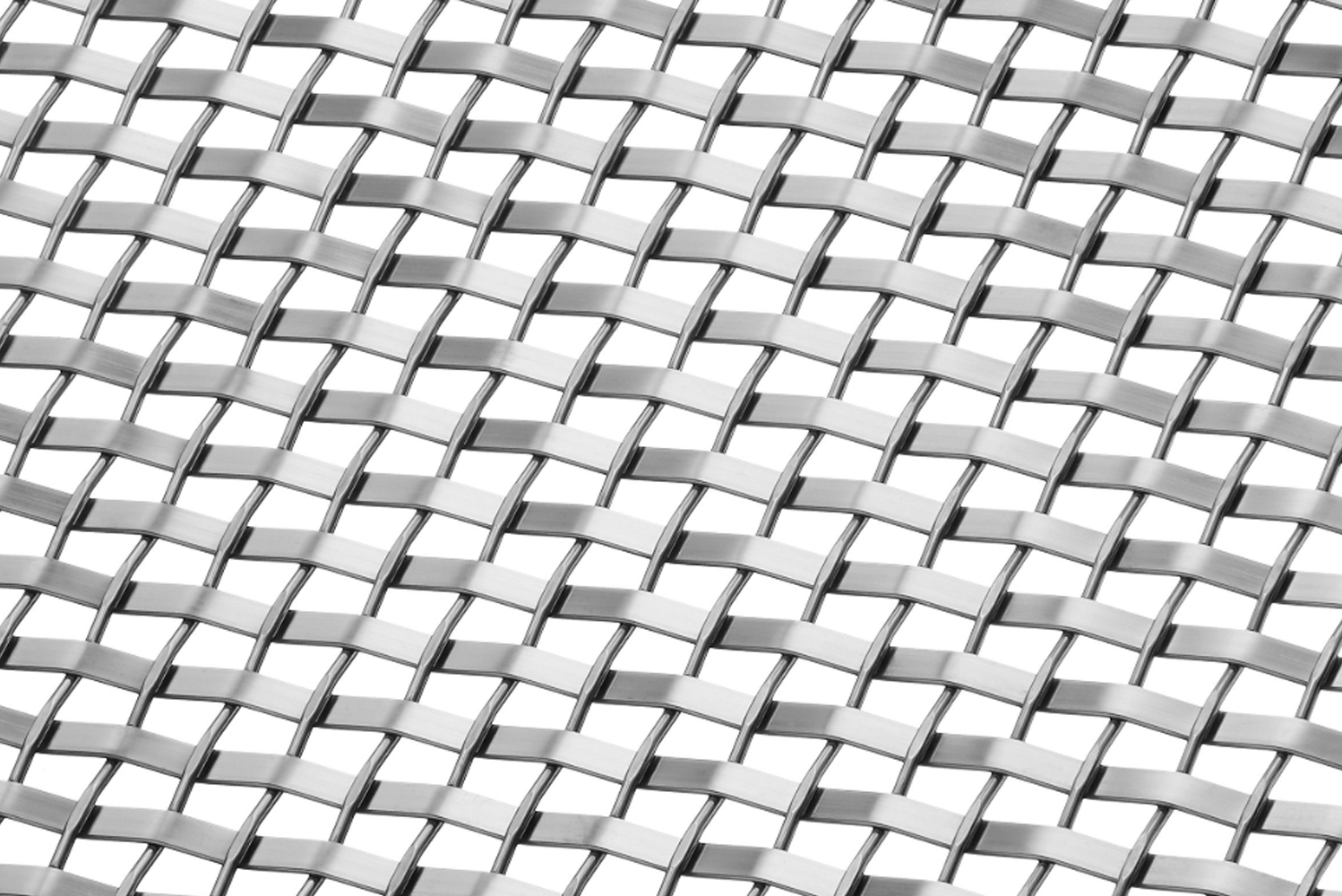 The SZ-14 woven wire mesh pattern mixes contrasting flat and round wires to create an uncommon, yet refined, composition and square-like shapes.